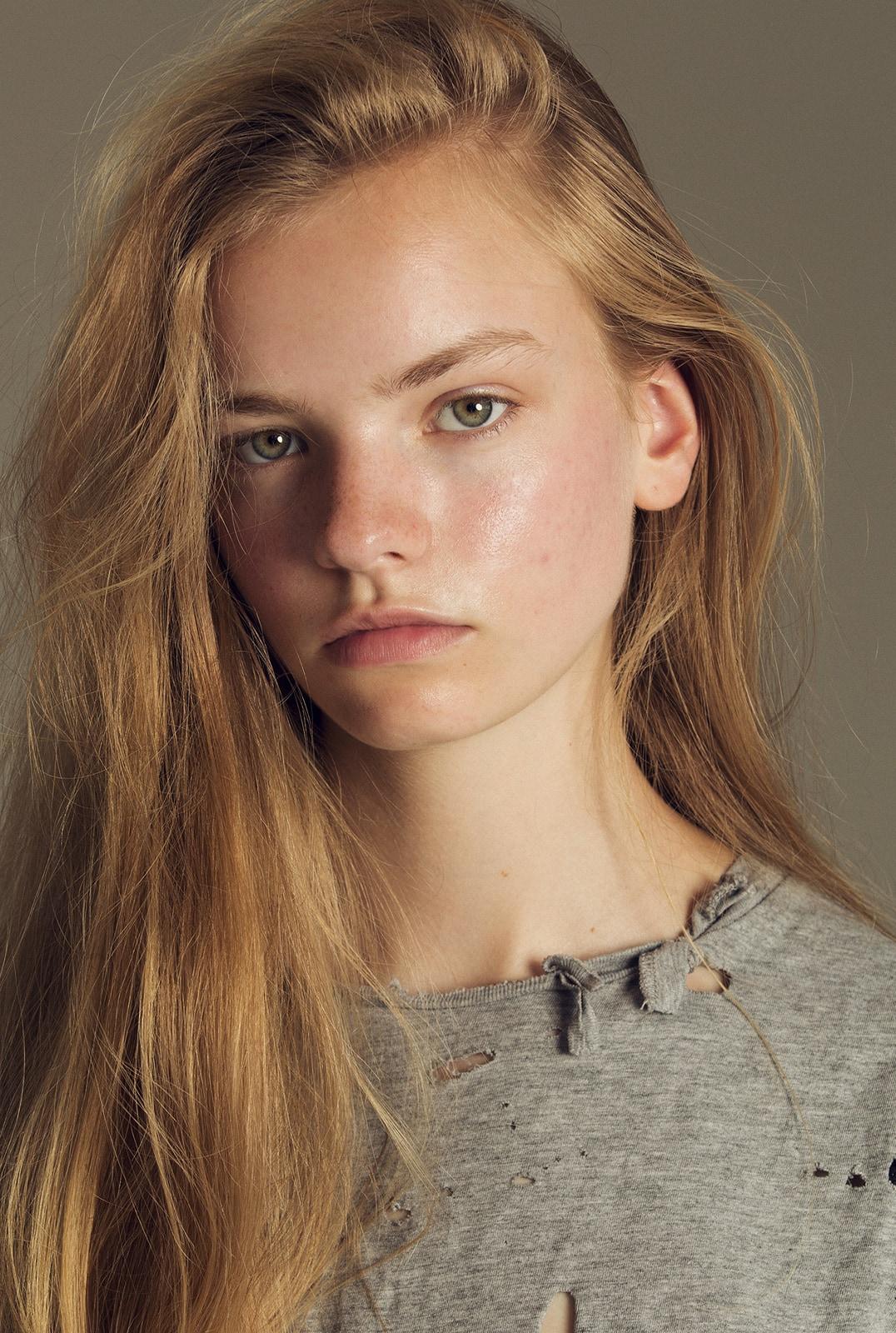 Nade - a model from France | Model Management